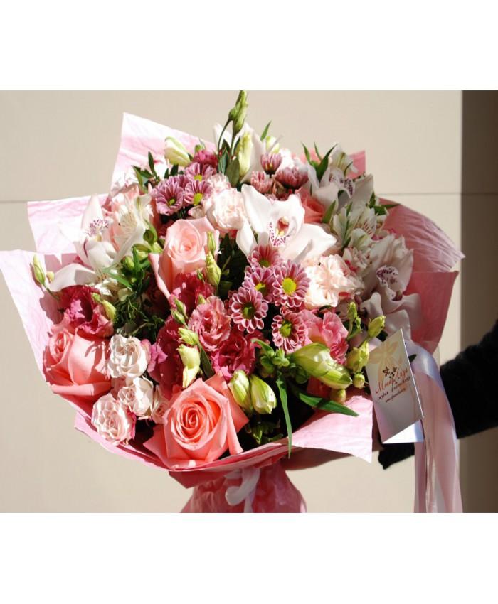 """Букет """"Нежность"""" из роз, орхидей и эустомы."""