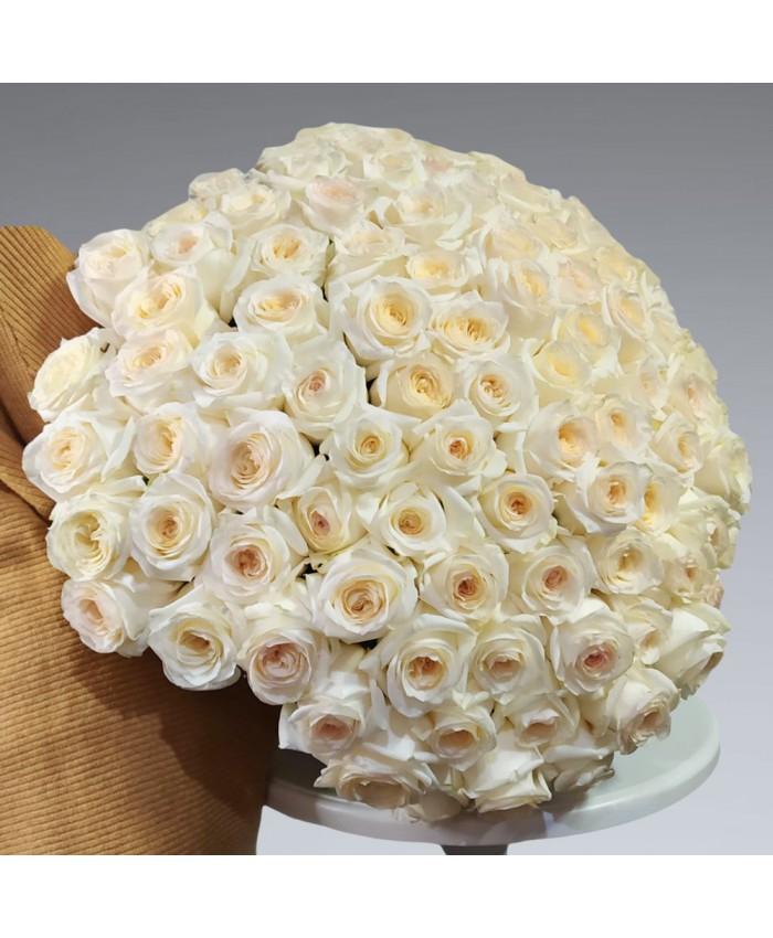 Букет из роз сорта Кэндллайт