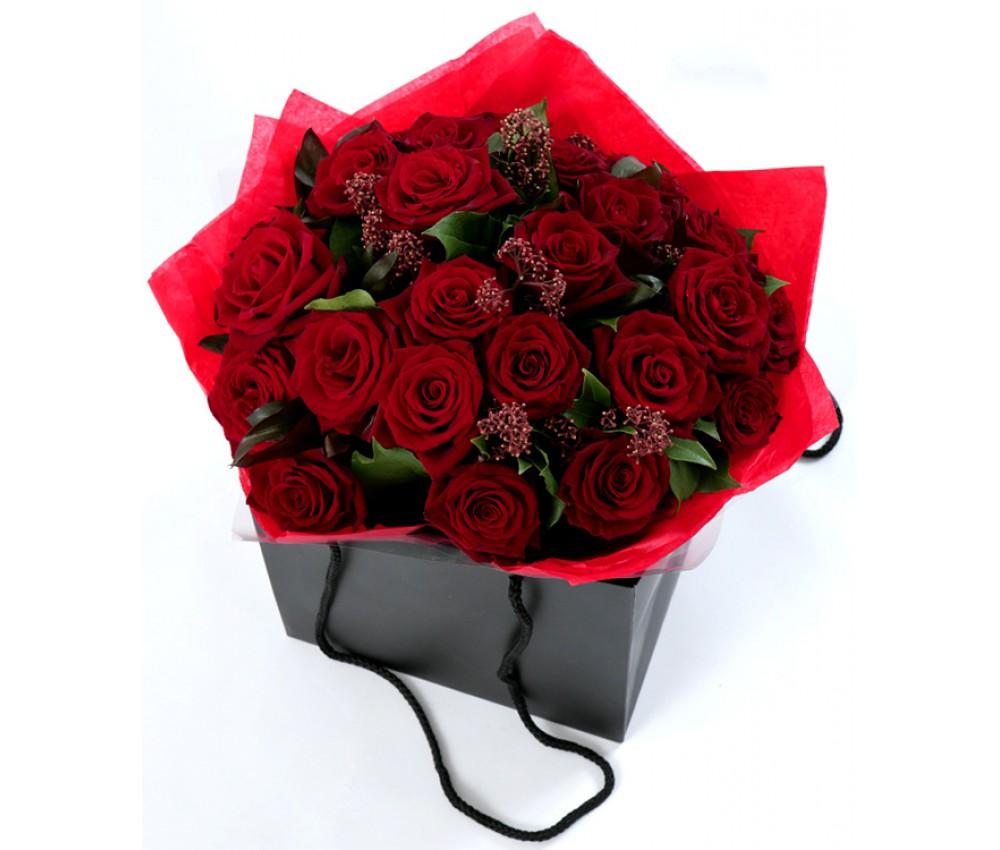 Коробка с 21 розой