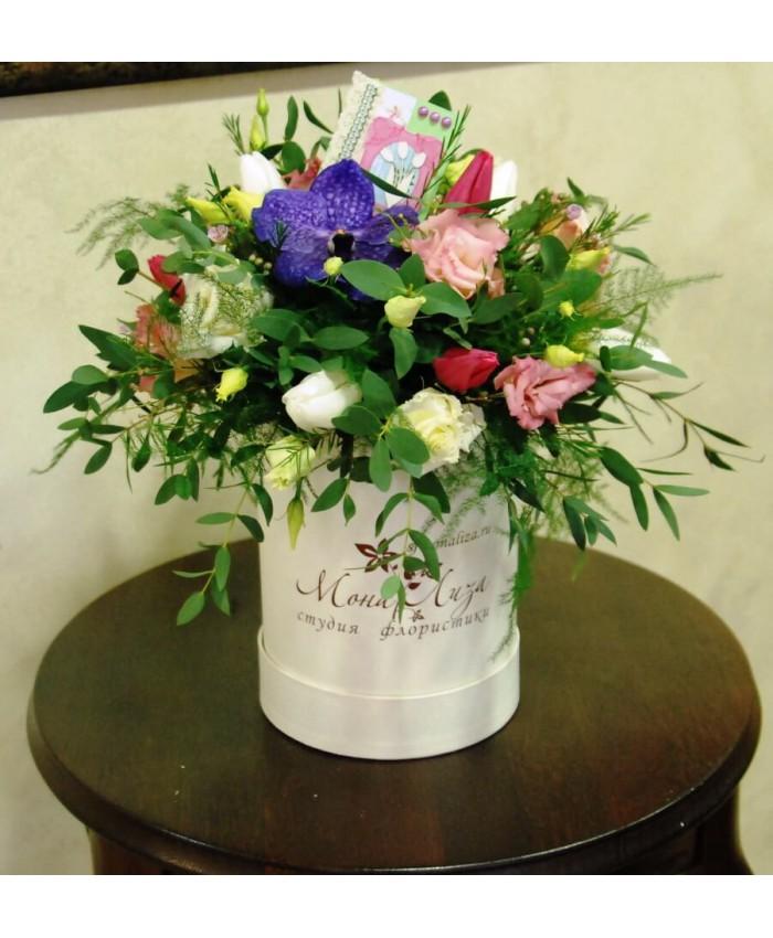 Цветы в шляпной коробочке №1