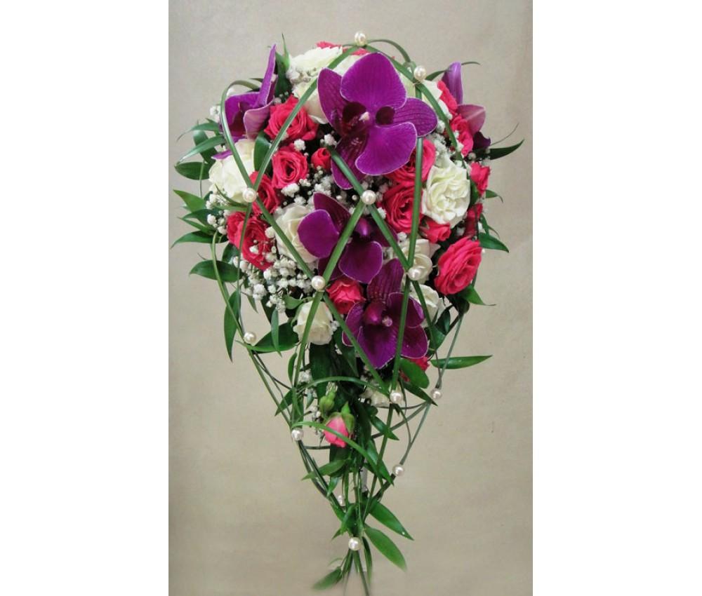 Букет невесты каскадный из малиновой орхидеи