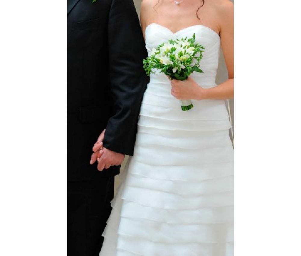 Букет невесты из белой фрезии в Екатеринбурге