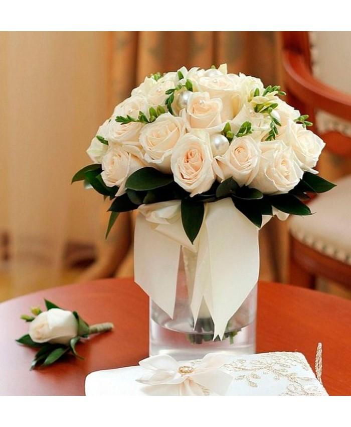Букет невесты из молочной розы