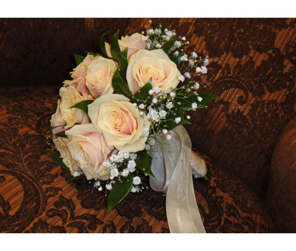 Букет невесты из персиковой розы в Екатеринбурге