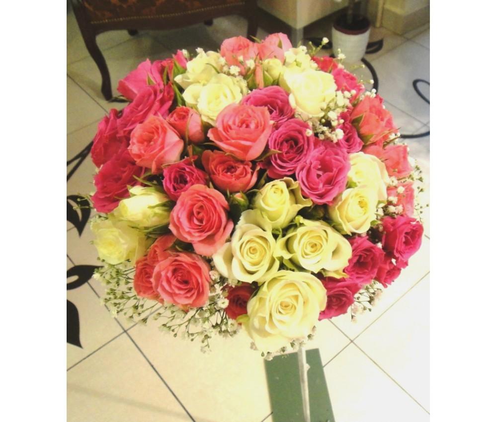 Букет невесты из кустовой розы и гипсофилы