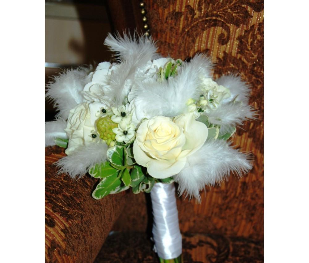 Букет невесты с розой и гортензией