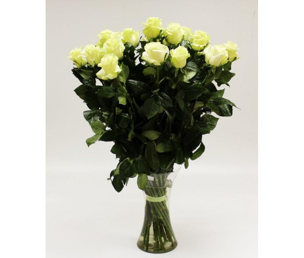 Акция- букет из 25 белых роз! в Екатеринбурге