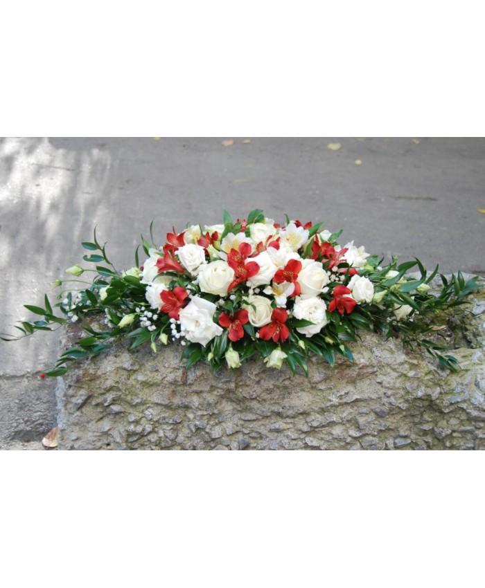 Композиция свадебная с белой розой,альстромерией и эустомой