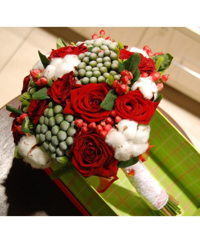 Букет невесты с хлопком, розой Ред Наоми и брунией