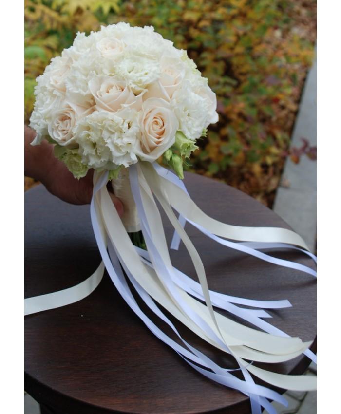 Букет невесты из эустомы и розы