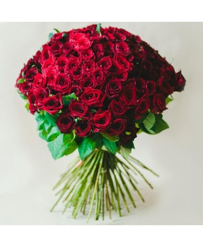 Букет 25 красных Уральских  роз 70 см.